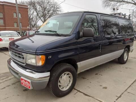 2001 Ford E-Series Wagon for sale at Corridor Motors in Cedar Rapids IA