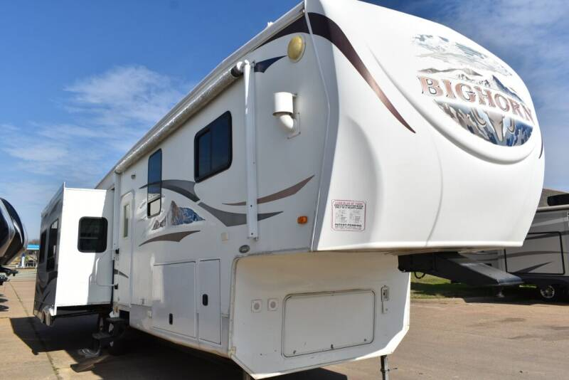 2010 Heartland Bighorn 3410RE for sale at Buy Here Pay Here RV in Burleson TX