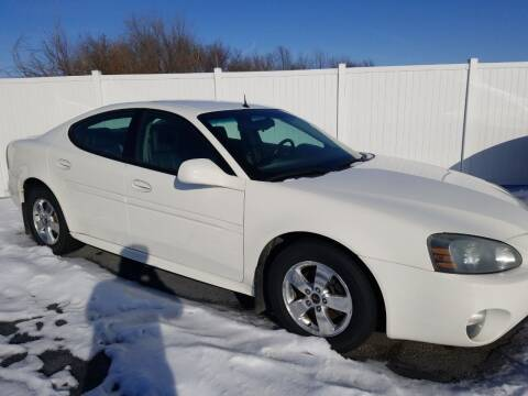 2005 Pontiac Grand Prix for sale at Caps Cars Of Taylorville in Taylorville IL