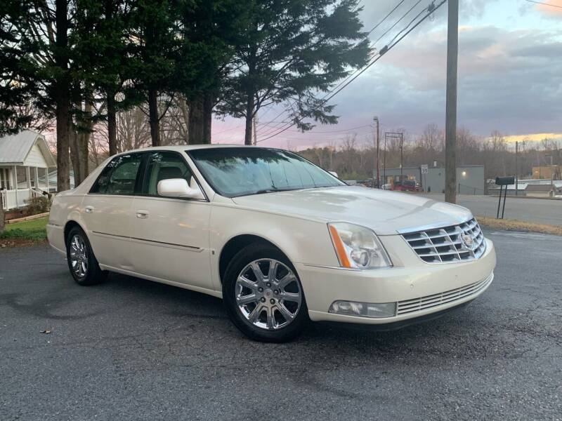 2009 Cadillac DTS for sale at Mike's Wholesale Cars in Newton NC