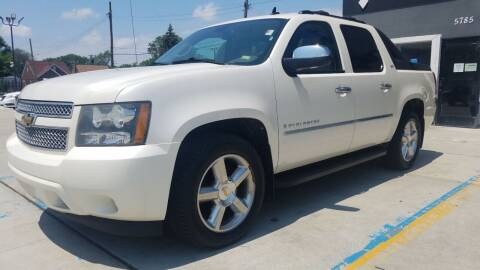 2009 Chevrolet Avalanche for sale at Julian Auto Sales, Inc. in Warren MI