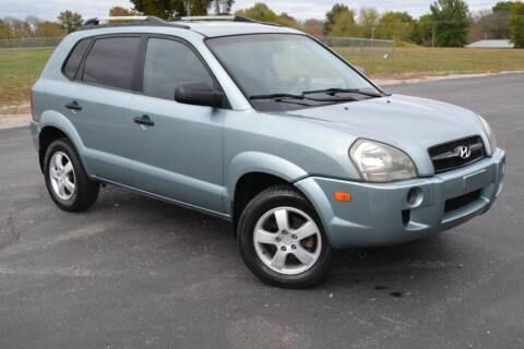 2006 Hyundai Tucson for sale at GLADSTONE AUTO SALES    GUARANTEED CREDIT APPROVAL in Gladstone MO