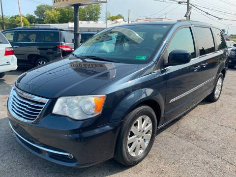 2013 Chrysler Town and Country for sale at Kellis Auto Sales in Columbus OH