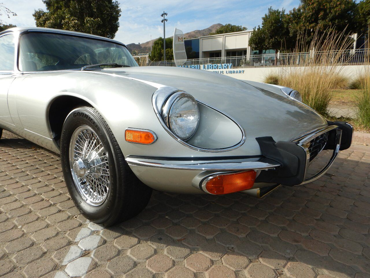 1973 Jaguar XKE 30