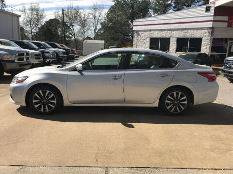 2017 Nissan Altima for sale at Northwood Auto Sales in Northport AL