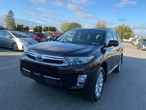 2013 Toyota Highlander Hybrid for sale at Sam's Auto in Akron PA