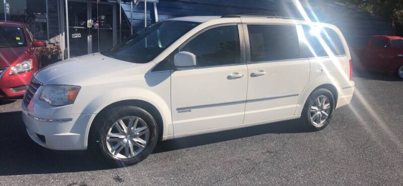 2010 Chrysler Town and Country for sale at Augusta Auto Sales in Waynesboro VA