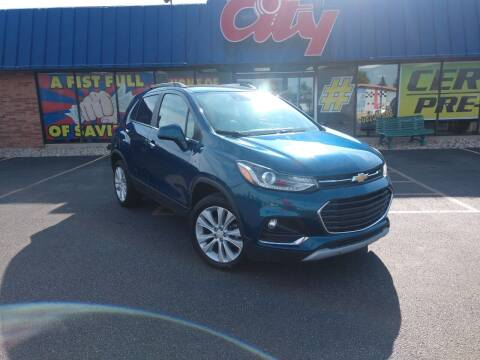 2020 Chevrolet Trax for sale at CITY SELECT MOTORS in Galesburg IL