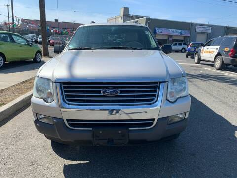 2006 Ford Explorer for sale at SUNSHINE AUTO SALES LLC in Paterson NJ