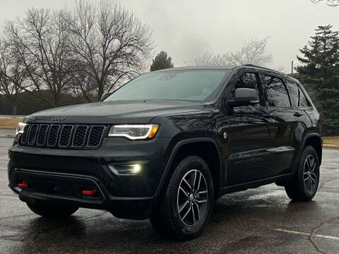 2018 Jeep Grand Cherokee for sale at North Imports LLC in Burnsville MN