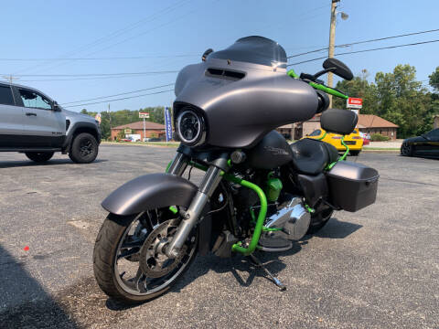 2017 HarleyDavidson StreetGlideSpecial for sale at The Car Lot in Radcliff KY