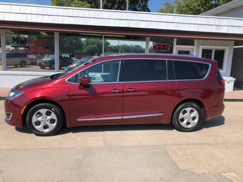 2017 Chrysler Pacifica for sale at Midtown Motors in North Platte NE