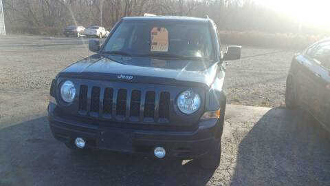 2016 Jeep Patriot for sale at Pool Auto Sales Inc in Spencerport NY