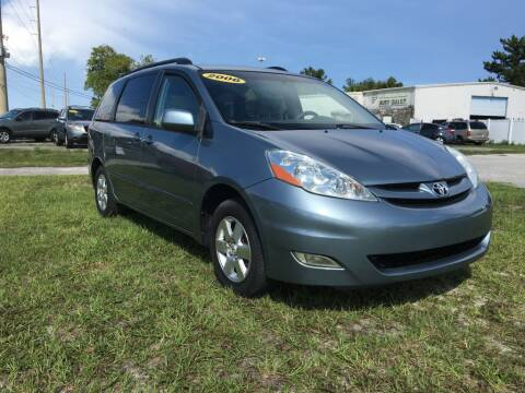 2006 Toyota Sienna for sale at First Coast Auto Connection in Orange Park FL