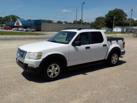 2007 Ford Explorer Sport Trac for sale at Young's Motor Company Inc. in Benson NC