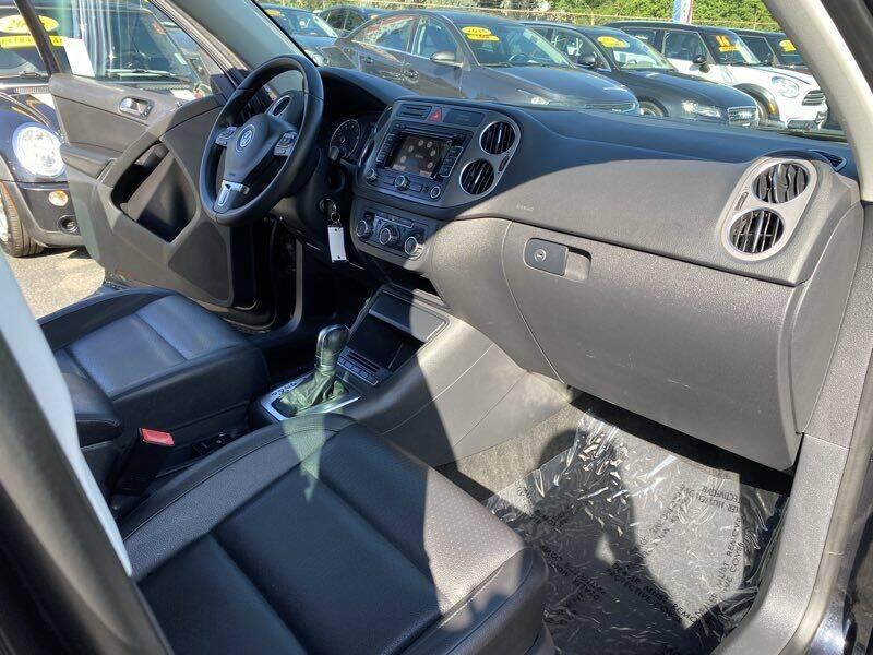 2011 Volkswagen Tiguan SE 4Motion wSunroof & Navi - La Crescenta CA