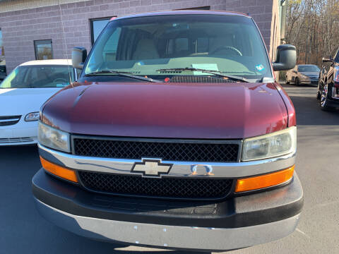 2003 Chevrolet Express Passenger for sale at 924 Auto Corp in Sheppton PA