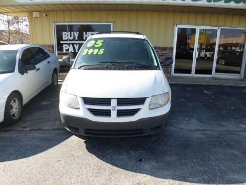 2005 Dodge Caravan for sale at Credit Cars of NWA in Bentonville AR
