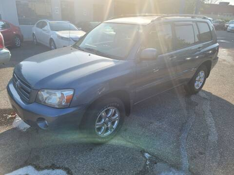 2005 Toyota Highlander for sale at Car One in Essex MD