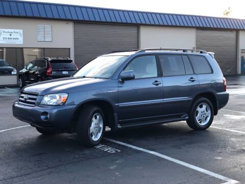 2004 Toyota Highlander for sale at Exelon Auto Sales in Auburn WA
