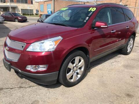 2010 Chevrolet Traverse for sale at Square Business Automotive in Milwaukee WI