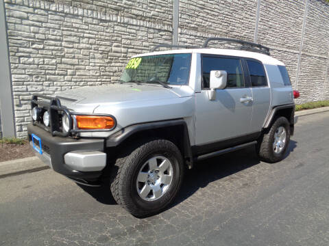 2007 Toyota FJ Cruiser for sale at Matthews Motors LLC in Algona WA