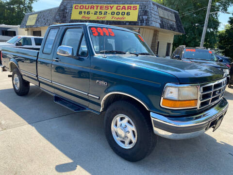1996 Ford F-250 for sale at Courtesy Cars in Independence MO