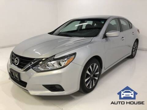 2017 Nissan Altima for sale at Auto House Phoenix in Peoria AZ