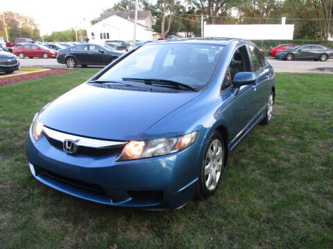 2009 Honda Civic for sale at Triangle Auto Sales in Elgin IL