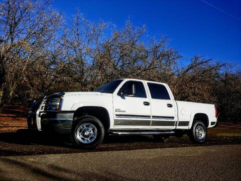 2005 Chevrolet Silverado 2500HD for sale at M AND S CAR SALES LLC in Independence OR