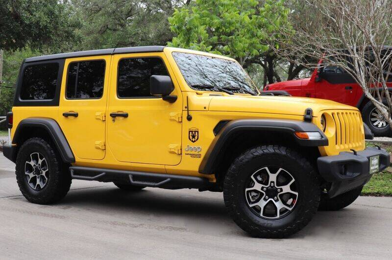 2019 Jeep Wrangler Unlimited for sale at SELECT JEEPS INC in League City TX