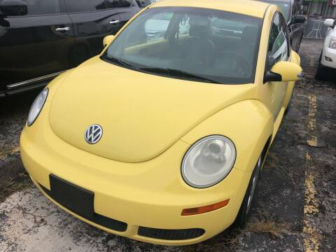 2010 Volkswagen New Beetle for sale at Best Deal Motors in Saint Charles MO