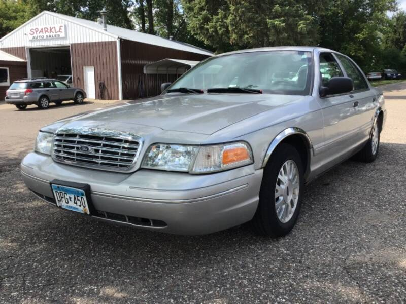 2005 Ford Crown Victoria for sale in Maplewood, MN