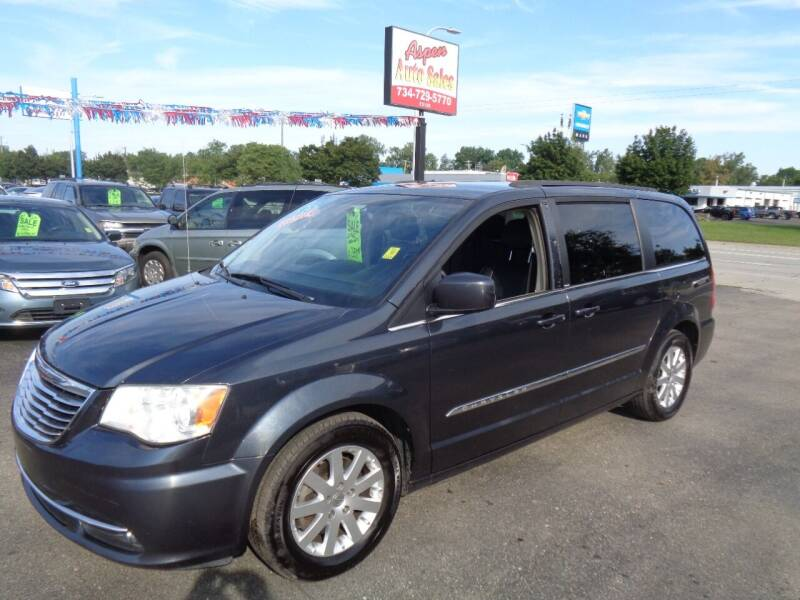 2013 Chrysler Town and Country for sale at Aspen Auto Sales in Wayne MI