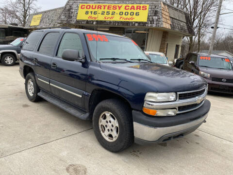 2005 Chevrolet Tahoe for sale at Courtesy Cars in Independence MO