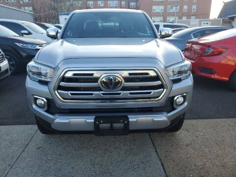 2018 Toyota Tacoma for sale at OFIER AUTO SALES in Freeport NY