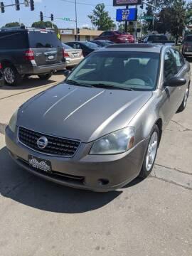 2005 Nissan Altima for sale at Corridor Motors in Cedar Rapids IA