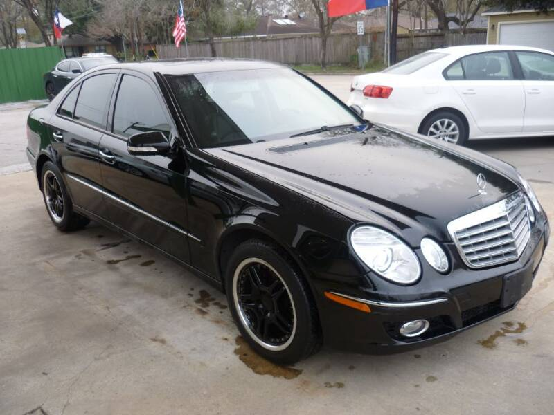 2008 Mercedes-Benz E-Class for sale at Auto Outlet Inc. in Houston TX