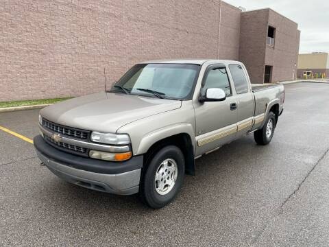 2001 Chevrolet Silverado 1500 for sale at JE Autoworks LLC in Willoughby OH