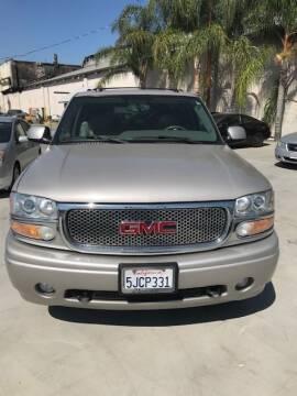 2004 GMC Yukon XL for sale at GreenLight  Auto Sales in Modesto CA