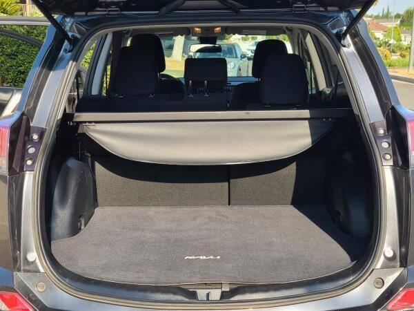 2018 Toyota RAV4 LE 4dr SUV - La Crescenta CA