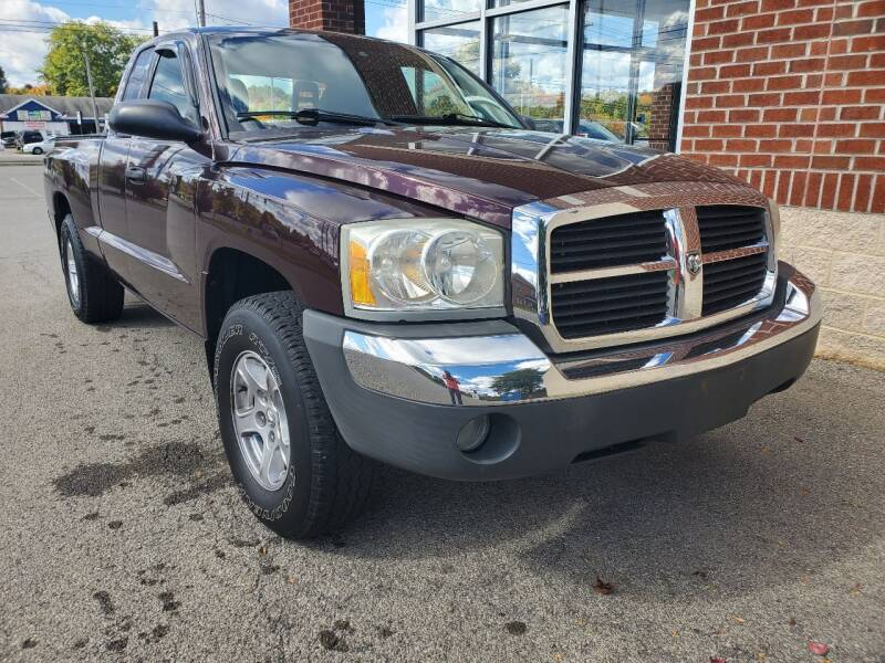 2005 Dodge Dakota for sale at Auto Pros in Youngstown OH