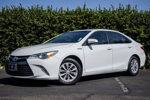2017 Toyota Camry Hybrid for sale at Southern Auto Finance in Bellflower CA