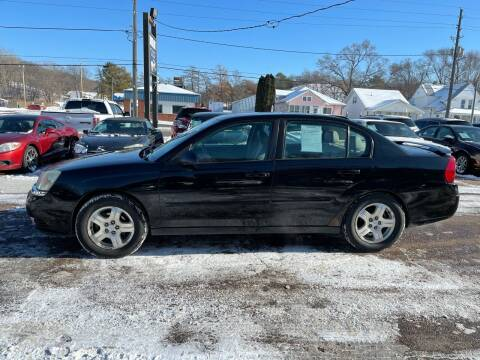 2004 Chevrolet Malibu for sale at RIVERSIDE AUTO SALES in Sioux City IA