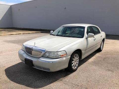 2006 Lincoln Town Car for sale at Access Motors Co in Mobile AL