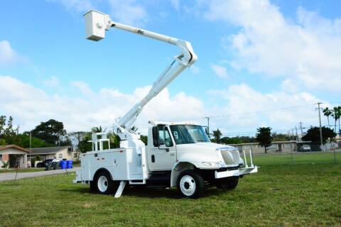 2006 International DuraStar 4300 for sale at American Trucks and Equipment in Hollywood FL