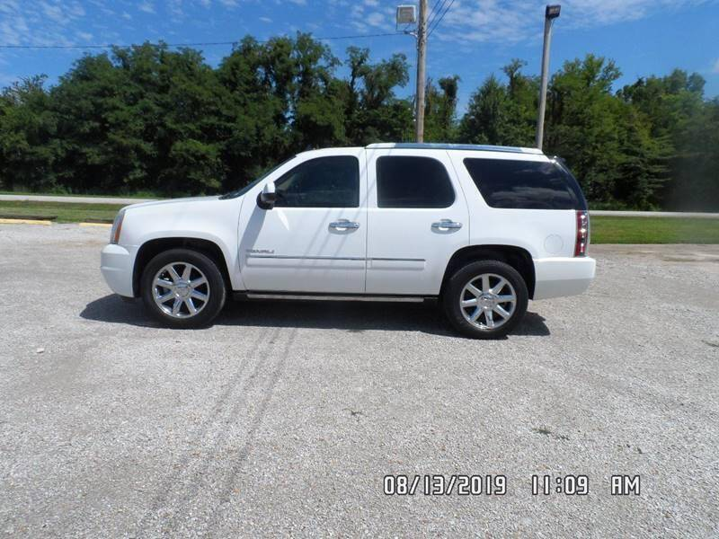 2009 GMC Yukon for sale at Town and Country Motors in Warsaw MO