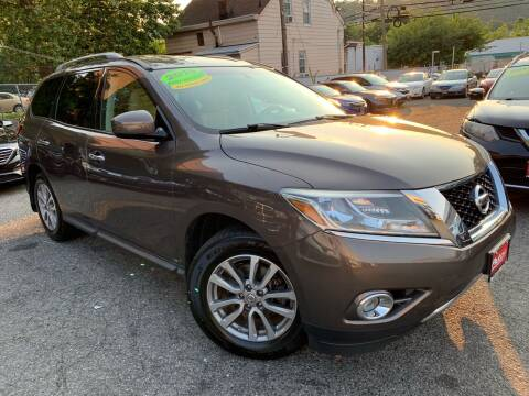 2015 Nissan Pathfinder for sale at Auto Universe Inc. in Paterson NJ