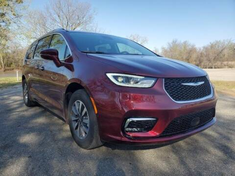 2021 Chrysler Pacifica Hybrid for sale at Vance Fleet Services in Guthrie OK