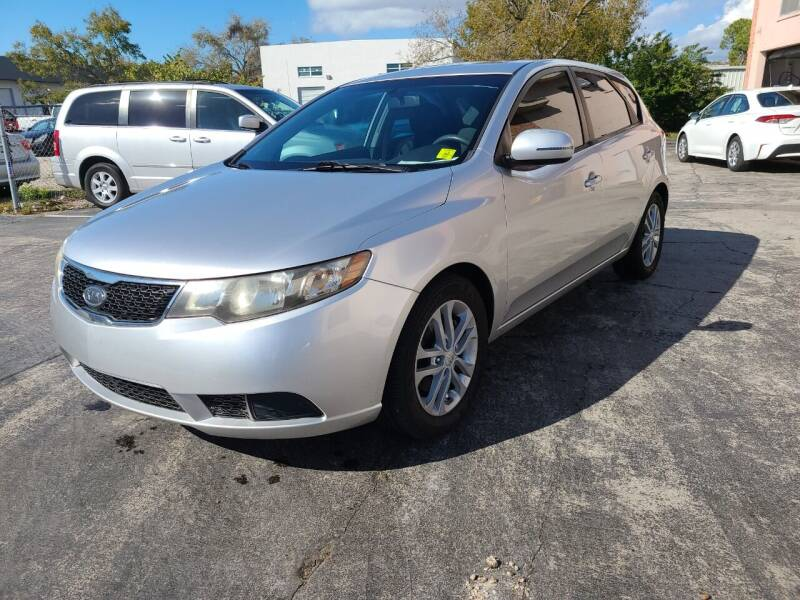 2012 Kia Forte5 for sale at CAR-RIGHT AUTO SALES INC in Naples FL